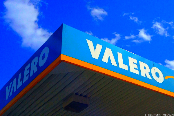 Valero Energy Has Formed a Bullish Reversal Pattern