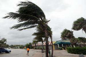 Hurricane Matthew's Likely Destruction on Florida and East Coast Makes These 3 Stocks Buys