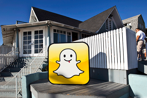 Snap Is Probably Terrified of Facebook's Dominance -- Here's the Latest Way You Can Tell