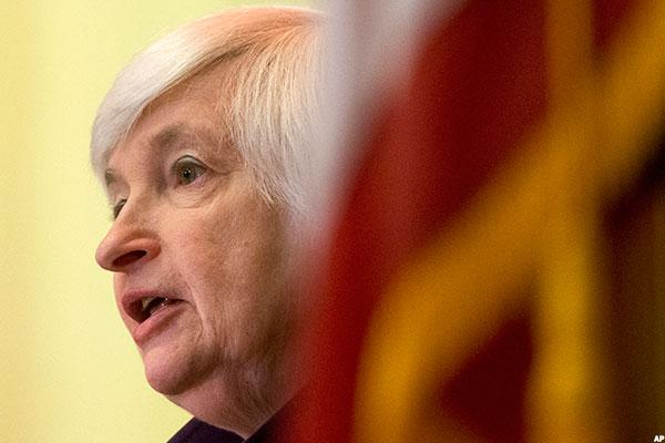 Forget Raising Interest Rates, the Fed Should Just Sell Bonds