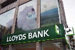 Lloyds Lifts Full-Year Guidance but Stock Still Falls