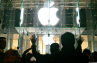 Apple and Google's Very Different Approaches to China Have Huge Financial Consequences