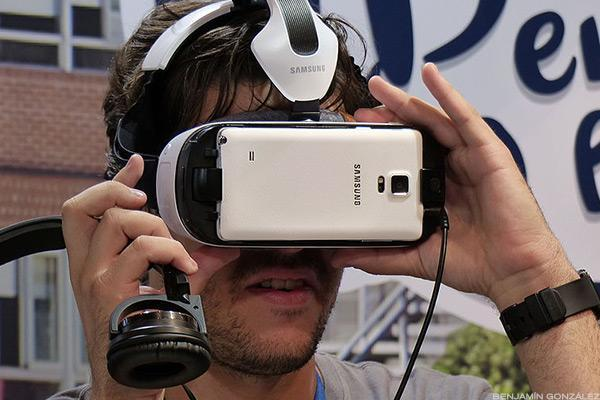 9 Key Takeaways From CES 2017: The Future of PCs, TVs, Virtual Reality and More