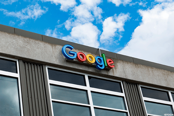 Google Fighting for Cloud Credibility Against Amazon, Microsoft