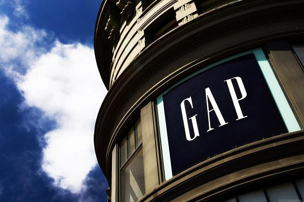 GAP Cancels Old Navy Spinoff and It's Greeted Favorably