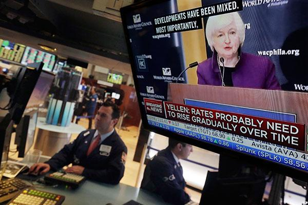Waiting for Yellen, U.S. Futures Off; Asia, a Mixed Bag