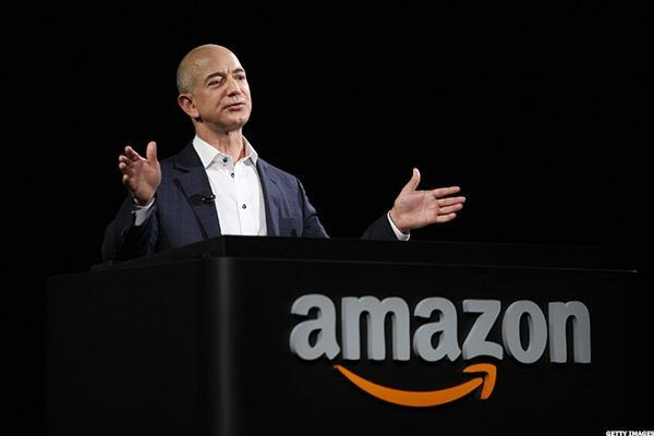Investors Eye 'Amazon Effect' in Retail, Cloud Markets Ahead of Earnings