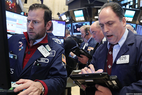 Dow Steps Back From 20,000 as Crude Selloff Weighs on Energy Sector