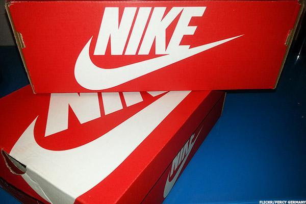 Nike (NKE) Stock Is Monday's 'Chart of the Day'