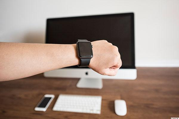 Will New Apple Watch Boost Wearable Device Shipments? -- Tech Roundup