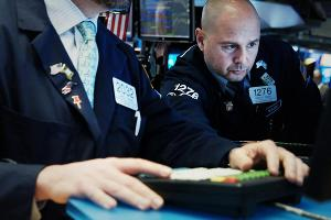Stocks Trade Lower as Recession Worries Emerge