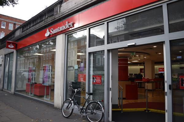Investors May Still Need to Be Patient With Santander