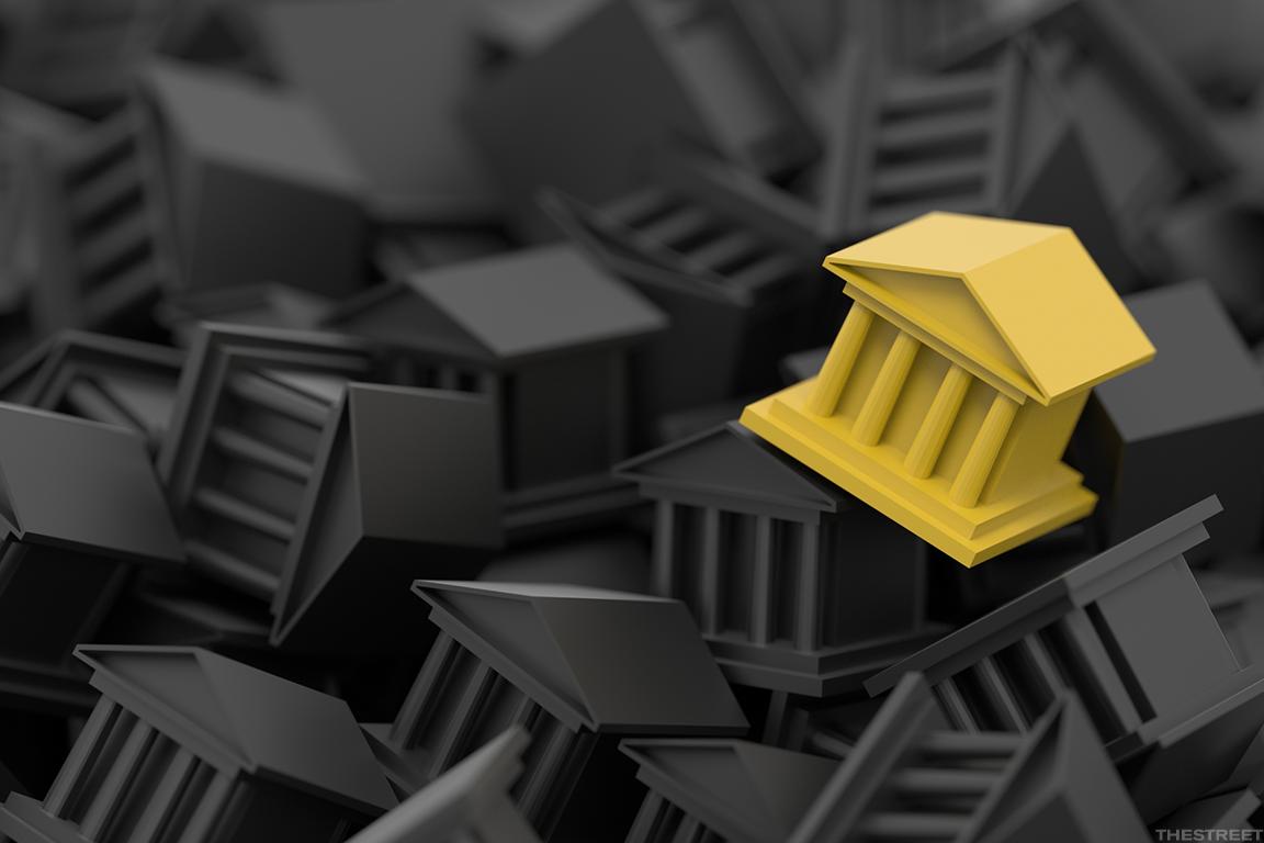 Jim Cramer: First Horizon Is a Gem Among the Regional Banks