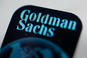 Goldman Shares Slump on Outlook Worries as Profit Jumps 40%