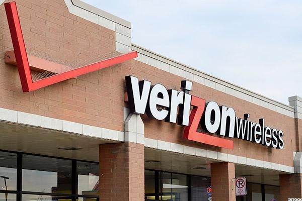 Verizon's Disappointing Quarter Pulls Telecoms, Wall Street Into Red