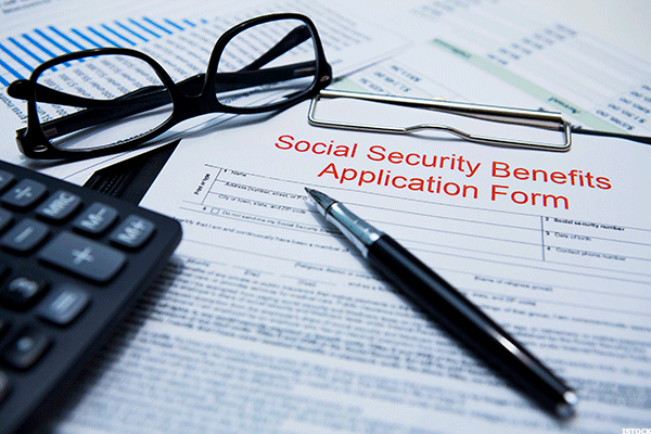 Maybe Americans Are Learning by Not Taking Social Security Too Soon