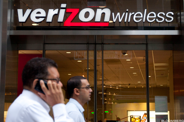 Verizon, Chipotle, Bank of Internet: 'Mad Money' Lightning Round