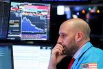Dow Closes Modestly Higher Ahead of Apple Earnings
