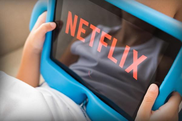 Jim Cramer: Netflix and CSX Lead the 'NABAF' Earnings Story