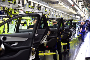 US Auto Tariffs Would Hit Global Industry Ratings; Ford & GM Vulnerable- Moody's