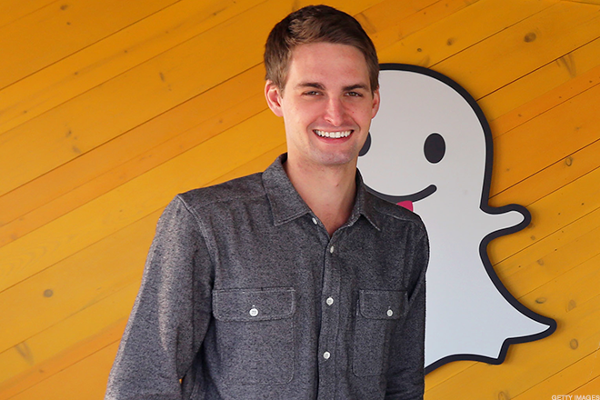 Snap Shares Fall Again; Analyst Questions Whether App Is 'Here to Stay'