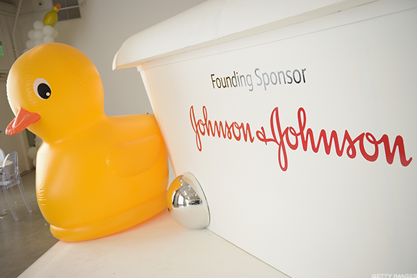 Johnson & Johnson Unit Sues to Block Sale of Copy of its Rheumatoid Arthritis Drug