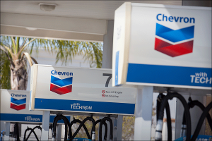 Chevron Expected to Earn $1.30 a Share