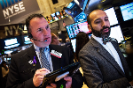 Dow and S&P 500 Score Fresh Records as Wall Street Eyes Fed Meeting