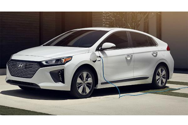 2019 Hyundai Ioniq Plug-in Hybrid 1.6 L, 4 cyl, Automatic, Gas and Electricity