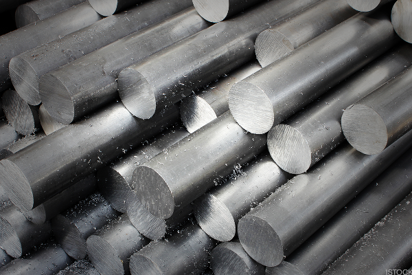 Aluminum Prices Skyrocket on Sanction-Driven Global Supply Concerns