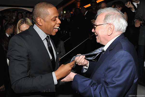 Billionaire Warren Buffett Has $100 Billion to Spend, Maybe on These 8 Companies