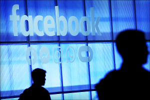 Facebook Rolls Out New 'Clear History' Tool, Warns Advertisers of Impact