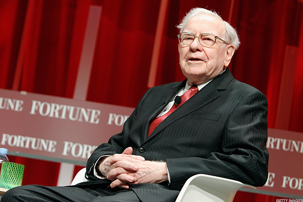 Buffett's Berkshire Requests Permission to Own as Much as 25% of American Express