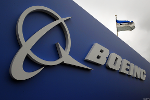 Boeing Slides as China Premier Li Says Willing to Continue Talks With Airbus