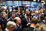 Dow Tumbles Over 400 Points; S&P 500 and Nasdaq Also Finish Lower