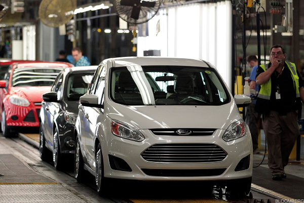 Ford CEO Jim Hackett Driving Future of Mobility in Detroit - Ford Jr. Cheers
