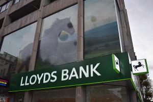 Lloyds Banking Group No Longer Taxpayer-Controlled After UKFI Stake Sale