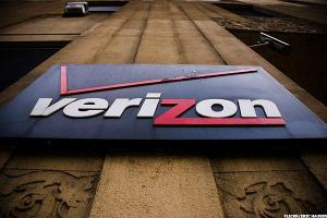Verizon (VZ) Stock Down, Mulls Options in $4.8 Billion Yahoo Deal