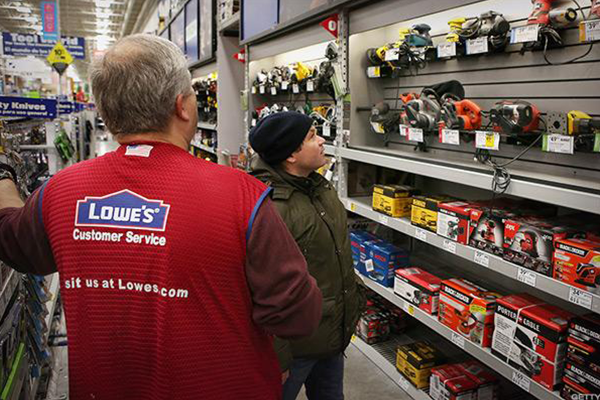 Jim Cramer: Is Lowe's Now the 'Papa John's' of Home Improvement?