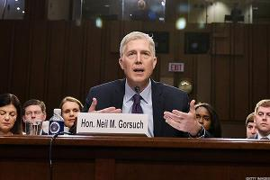 Dems Push Delay in Gorsuch Vote as They Fret Over Filibuster Plan