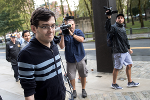 'Pharma Bro' Shkreli Doesn't Let Twitter Bans Stop Him During Trial