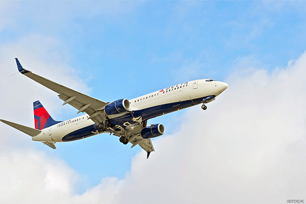 Jim Cramer -- Delta Has a Lot of Positives Going for It