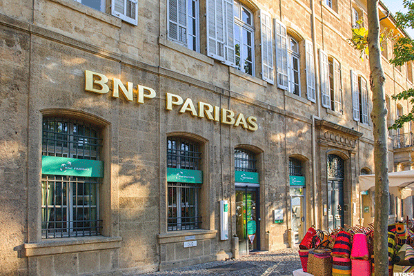 BNP Paribas Shares Lead Paris Lower After Fourth-Quarter Profit Miss