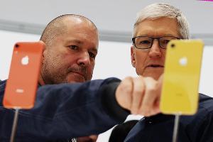 Apple Gains as Raymond James Is Bullish on 5G iPhone Cycle