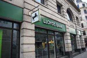 Lloyds Shares Leap After U.K. Government Exit Puts Bank in Private Hands