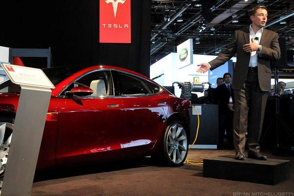 Tesla Stock Loses 6% as Wall Street Piles on Musk's Model 3 Vision