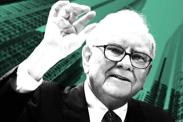 Warren Buffett's Berkshire Hathaway Boosts Investments in Amazon, Banks