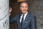 Howard Schultz Thinks Starbucks Has to Be In the 'Seduction Business'
