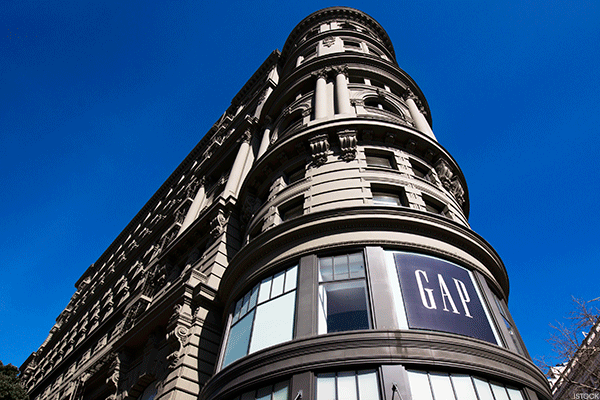Here Are 3 Reasons Why Gap Should Fire Its CEO