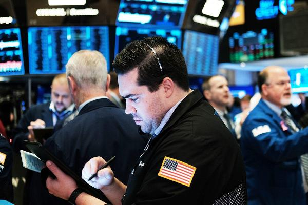 Dow Futures Edge Higher As Markets Look to FAANG Earnings to Extend Record Rally